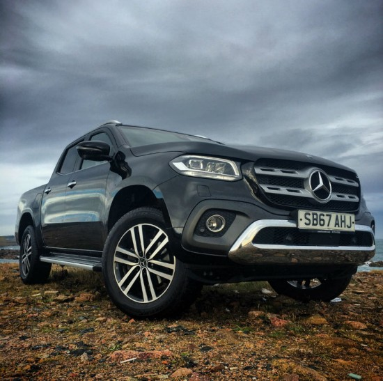 17 67 Mercedes 2.3 X-Class X250d 4Matic Power Auto Kabara Black