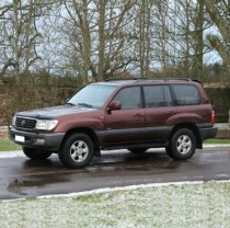 02 02 Toyota Landcruiser Amazon VX 4.2 TD Red