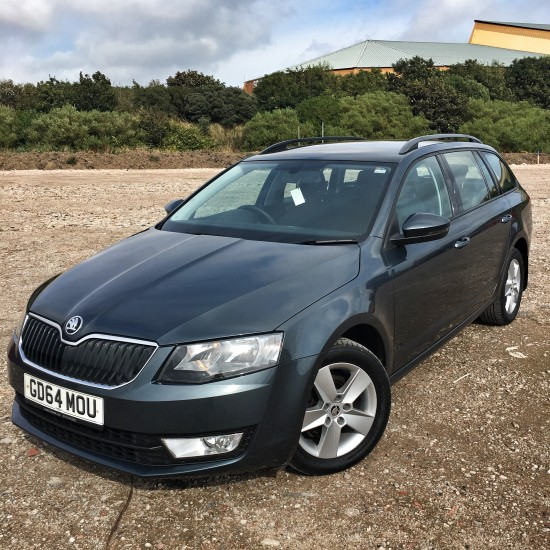 15 64 Skoda Octavia 1.6 TDi SE Estate Grey